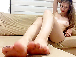 Unproficient Teen Shows Hooves Coupled with The brush Superb Shaved Pussy